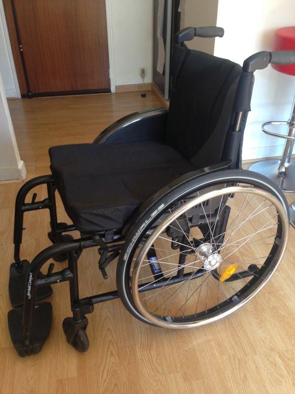 1000 id es propos de housses pour fauteuil roulant sur pinterest costumes pour enfants. Black Bedroom Furniture Sets. Home Design Ideas