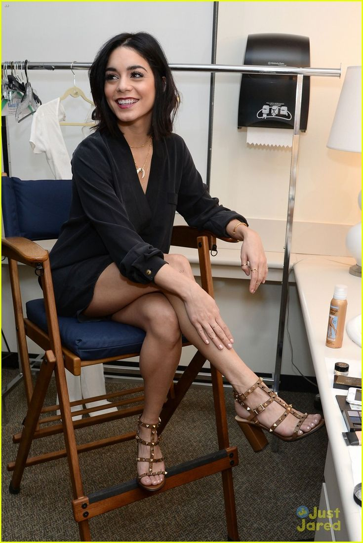 vanessa hudgens legs look perfect 05