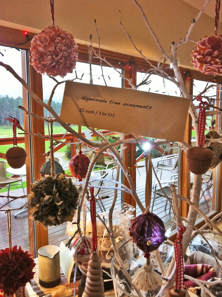 how to display christmas ornaments at a craft show