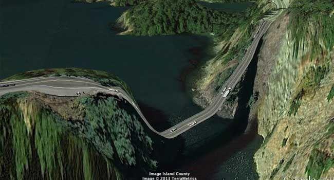 Carreteras del mundo vueltas surrealistas por Google Earth