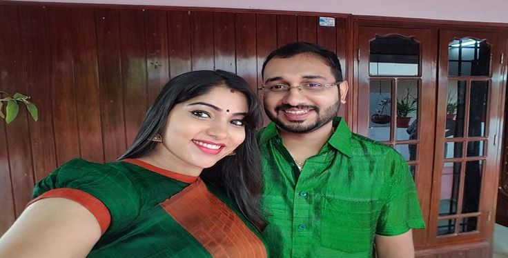 Actress Muktha enjoying her pregnant phase | Latest Mollywood News
