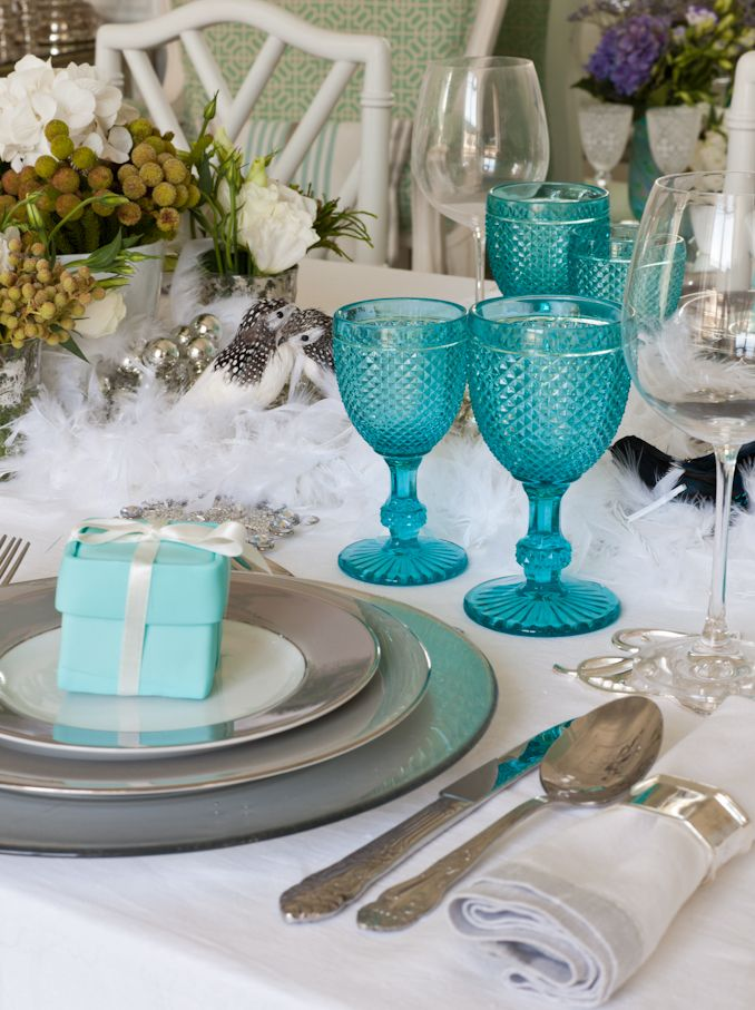 Best 25 Blue table settings ideas on Pinterest Blue  : 8cb8f1e87ef9b26fd7645a19af91b15d turquoise glass turquoise table from www.pinterest.com size 678 x 907 jpeg 101kB