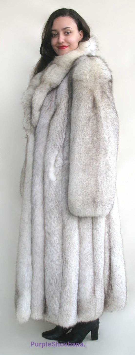 62 best fur coat images on Pinterest   Fur coats, Fur fashion and Furs