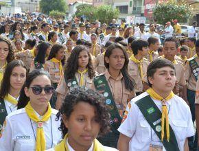 Ipatinga, MG… [ASN] Um dia de solidariedade em Ipatinga, marcou o sábado, 30/07, no Campori de Desbravadores. O culto foi bem cedo para que todos pudessem sair às 9 horas para vários pontos da cidade. O motivo era presentear a comunidade que recebeu tão bem a todos. 01/08/2016.