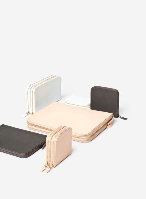 Christian Metzner's minimalist collection #pastel #leatherbags