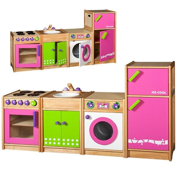 Mooi afgewerkte 4-dlg. speelkeuken gemaakt van rubberwood i.c.m. rubberwood-meubelplaat.Degelijke uitvoering, geschikt voor de kinderopvang! Alle deuren zijn uitgevoerd met metalen scharnieren.Alle knoppen klikken als je er aan draait.De afzonderlijke items zijn 40cm breed, 36cm diep en 54cm hoog (koelkast 84cm hoog).De totale breedte is 160cm.Leeftijd 3+NB: De houtkleur van de naturel delen van deze keuken is lichter dan afgebeeld! (zelfde kleur als art.F5900 en F5900N)De keukendelen worden…