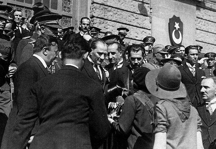 Atatürk İstanbul'da (Haydarpaşa) (1927)