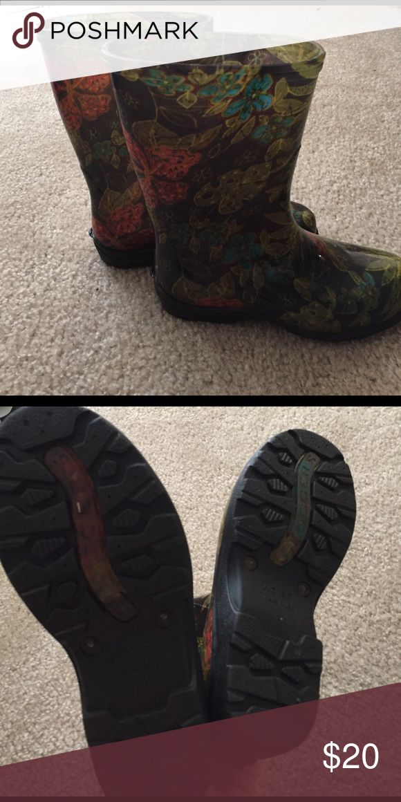 Sloggers rain boots Worn maybe twice. They look new :) sloggers Shoes Winter & Rain Boots
