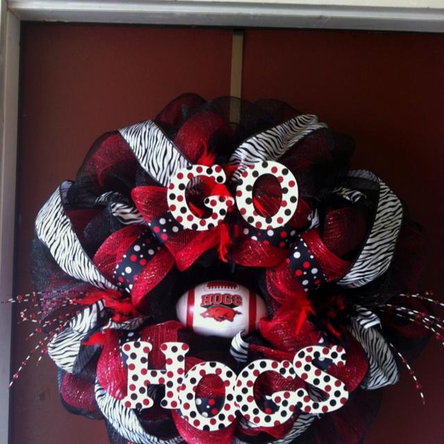 Razorback mesh wreath!!! Adorable!!!