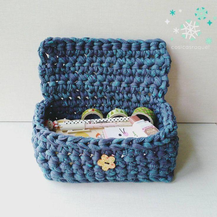Cesta de trapillo con tapa para guardar cosas chulas ❤#cesta #trapillo #tapa #orden #crochet #crochetxxl #decoracion #artesana #jaca #cosasbonitas #creaciones #cosicasraquel #zpagueti #totora #photooftheday