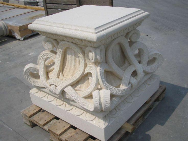 Basamento in pietra - http://achillegrassi.dev.telemar.net/project/basamento-pietra/ - Basamento decorato in Pietra bianca di Vicenza Dimensioni:  100cm x 100cm x 85cm (H)