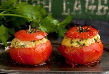 Gevulde tomaat voor de barbecue