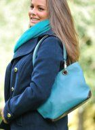 blue leather bag #style #country http://www.pioneros.co.uk/shop/catDetail.php?CategoryID=1