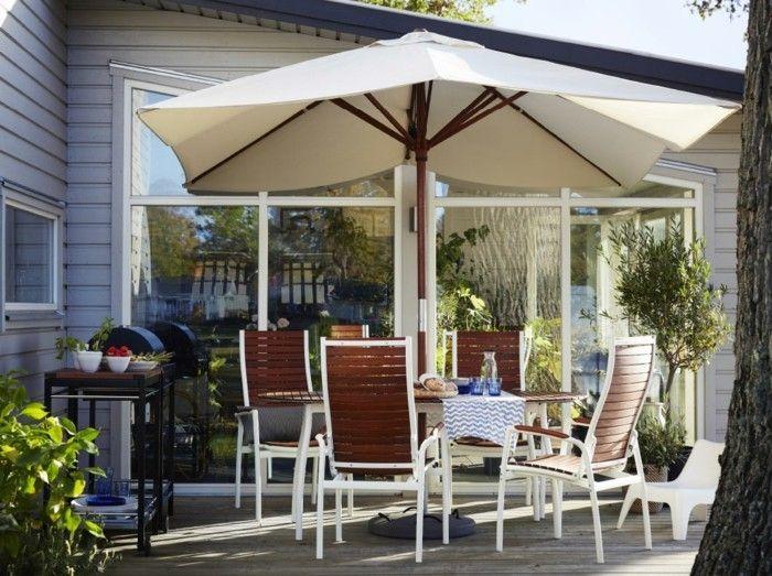 Ist der Sommer erst einmal richtig da, kann die nächste Gartenparty starten. Gemütliche Gespräche verleiten einen öfter zum längeren Sonnenbaden.