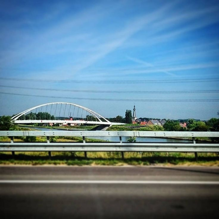 https://flic.kr/p/Kpw8ka   #todaypic: Dorpje vlakbij albertkanaal (#Oelegem,#2016)  #Ranst,#provincieantwerpen,#vlaanderen,#België,#Europa,#normalfilter,#Vignette,#TiltShift,#Fromacar,#belgie  (BY: #KJVW 2016) #Beentheredonethat