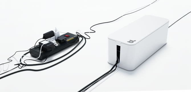 Under or on the desk, next to the computer, or behind the TV, loose tangled cables are always untidy dust traps. CableBox is the key solution for your cable management needs.