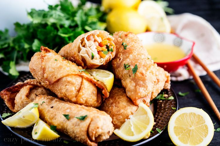 Lemon Chicken Egg Rolls via @Rachael Yerkes