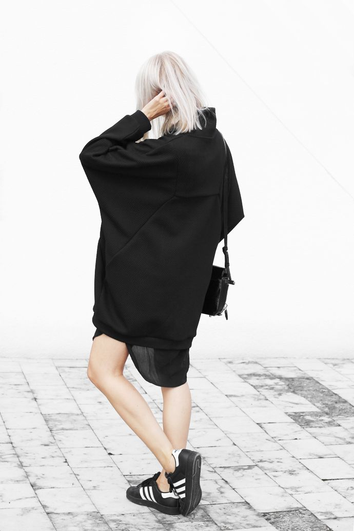 women's minimalist monochrome chic. fashion. style. beauty. autumn. fall. casual outfit. normcore.