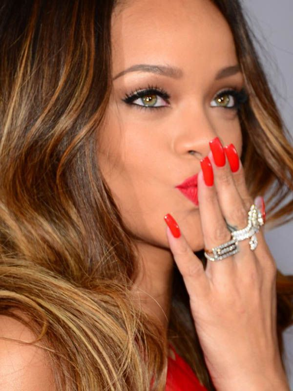 Rihanna the beautiful girl