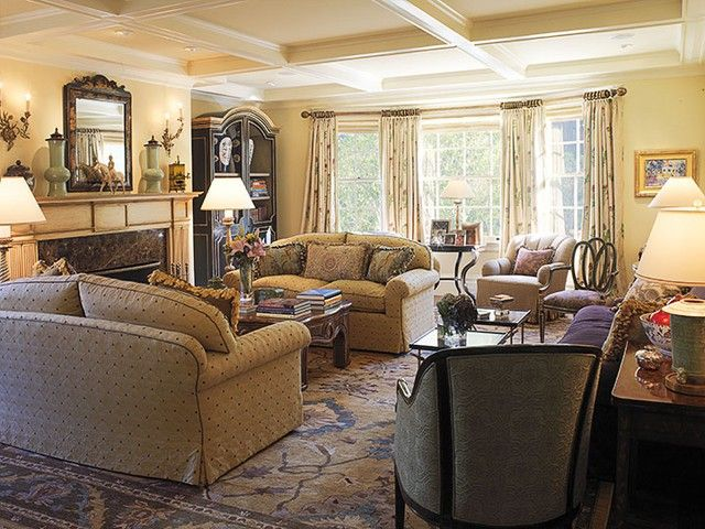 Comfortable Traditional Living Room With Beautiful Interior Design Ideas Living  Room Traditional