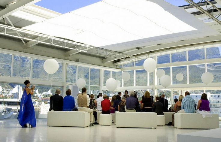 The 250m2 studio space offers a 36m2 opening skylight; floor to ceiling windows; a wooden deck and roof garden with views of Lions Head as well as a 23x3m balcony boasting breathtaking views of the Mother city and Table Mountain.
