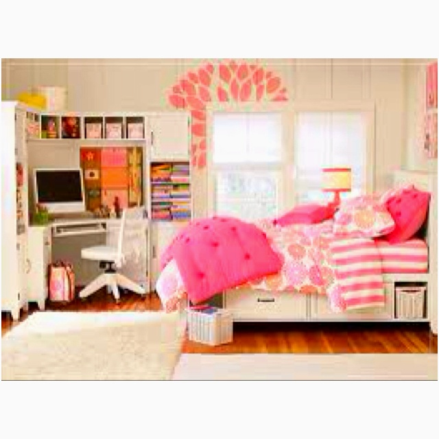 This is a really nice bedroom the imac really touches it up bedrooms pinterest nice and - Nice girls rooms ...