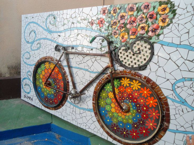 A collaborative mosaic and creative re-use project to put a smile on your face. #bicycle #mosaic #art