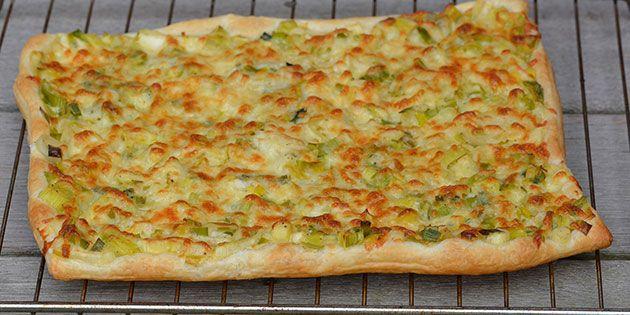 Med færdiglavet butterdej kan det næsten ikke blive nemmere at lave en lækker porretærte.