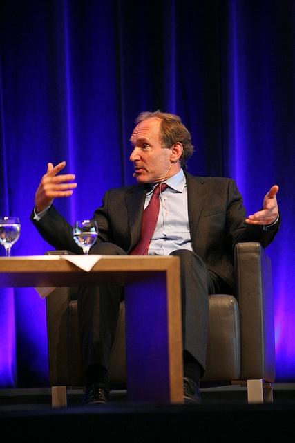 4. Dresdner Zukunftsforum - Sir Tim Berners Lee, der Begründer des World Wide Web und Erfinder von HTML, führt das World Wide Web Consortium (W3C) und ist Professor am Massachusetts Institute of Technology (MIT).