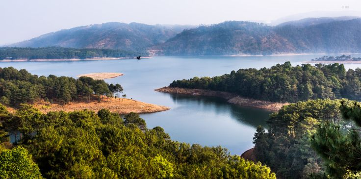 """One of the popular tourist spots in #Shillong, #UmiamLake is a vast and scenic reservoir that attracts a large number of tourists from across the country. Also known as """"Bara Pani"""" or the Big Water. It is a man-made lake that covers an expanse of 221 sq kms. #umiamlakeshillong #meghalaya #tourism #nature"""