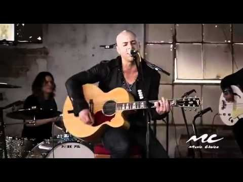 Daughtry - Crawling Back To You (Acoustic Live)