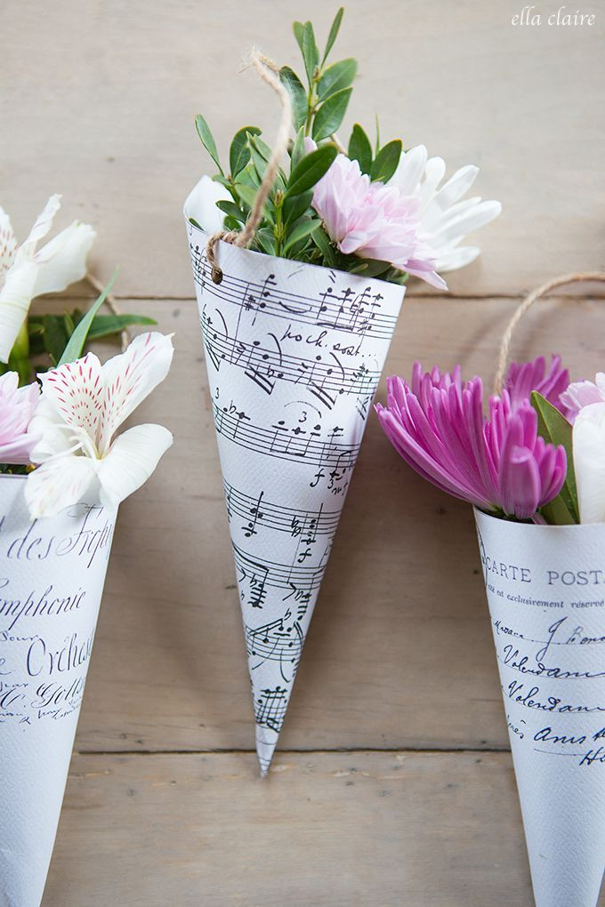 Free printable May Day flower cones from /kristenwhitby/