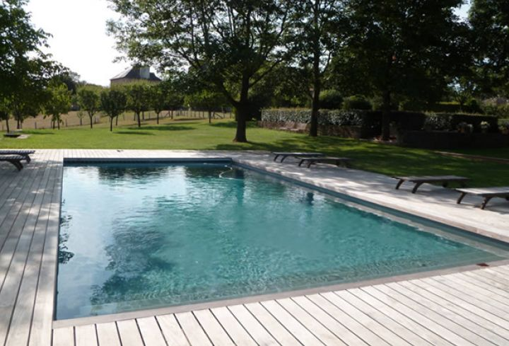 Liner gris anthracite piscines pinterest garden pool for Piscine miroir avec liner