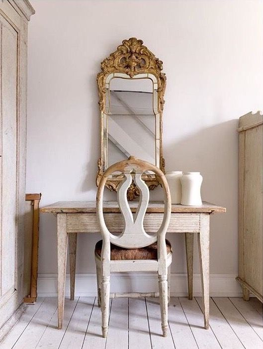 Find This Pin And More On Chalk Painted Furniture In Off White Old Cream Neutrals By Alisondodds