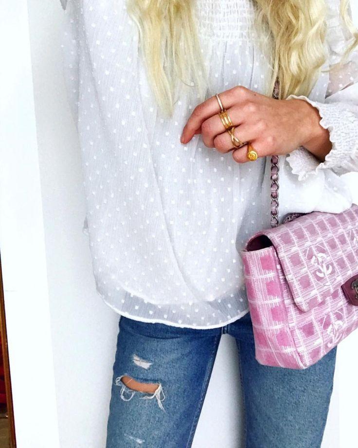 #hviskstylist #hvisk #fashion #blonde #girl #girly #style #stylish #emmabukhave #frills #lace #pinkchanel #gold #rings #jeans