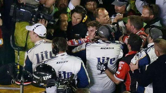 Jeff Gordon's fight with Kesolastic @ Texas Motor Speedway 11/3/14