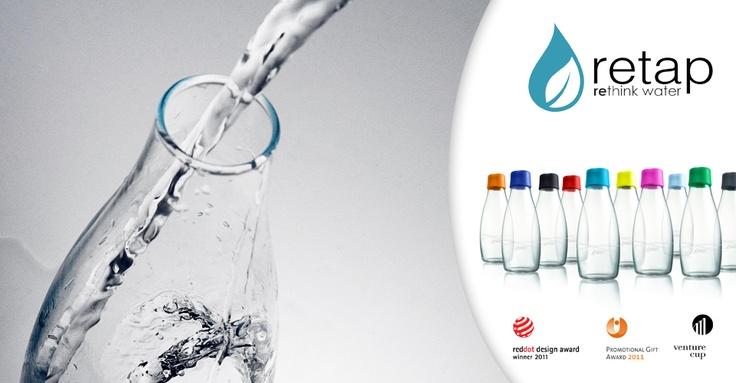 Každý rok sa v SR spotrebuje takmer 1 miliarda Pet fliaš, pomôžte nám obmedziť spotrebu plastového odpadu a používajte alternatívne fľaše ako je napríklad škandinávska fľaša Retap, ktorá je vyrobená z kvalitného skla a slúži na uchovanie kohútikovej vody. Vedeli ste, že liter kohútikovej vody vás vyjde na 5 halierov (0.0017,- €) a liter balenej vody stojí okolo 8 korún (0.2656,- €). Voda z kohútika je teda 160x lacnejšia.