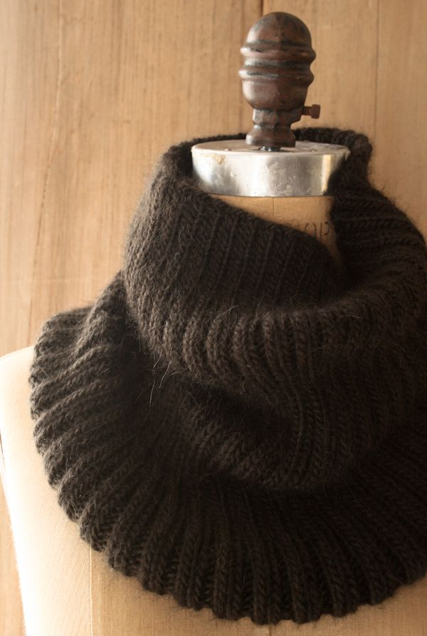 Lovely Ribbed Cowl - Knitting Crochet Sewing Crafts Patterns and Ideas! - the purl bee