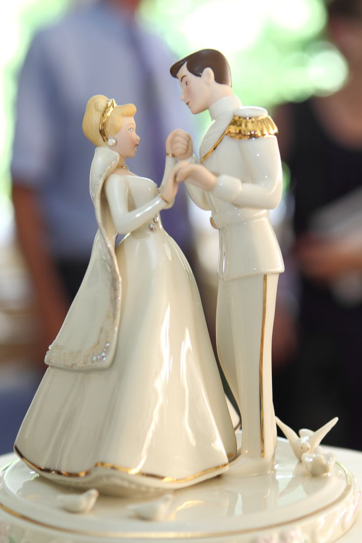disney cinderella wedding cake toppers best 25 cinderella wedding cakes ideas on 13549