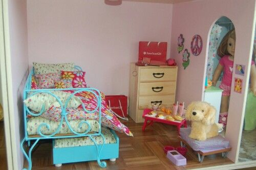 17 best images about doll houses and decorating ideas on for American girl doll bedroom ideas