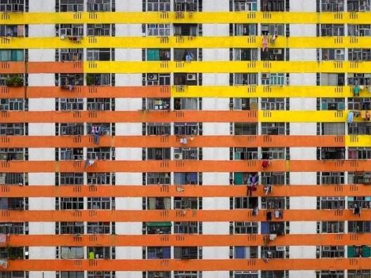 La claustrofóbica vida en vertical de Hong Kong (ph. Michael Wolf)