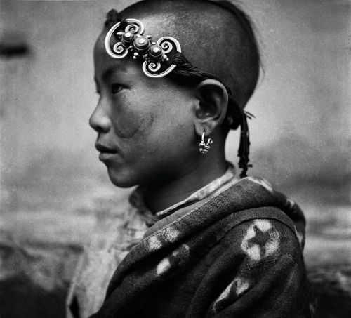 "fotojournalismus: "" Portraits from Western China (1930s) by Zhuang Xueben…"