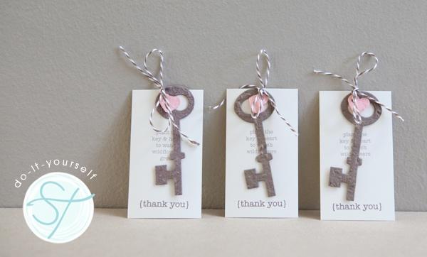 skeleton key planter favors - cute!Seeds Paper, Skeleton Keys, Plantable Paper, Paper Gifts, Antiques Keys, Wedding Favors Keys, Flower Seeds, Skeletons Keys Wedding, Antique Keys