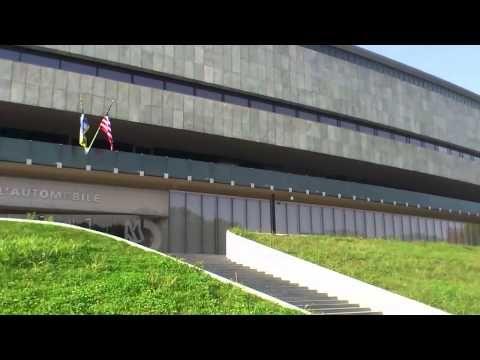 1 Turin Nationales Auto Museum Rundumblick vor dem Museum