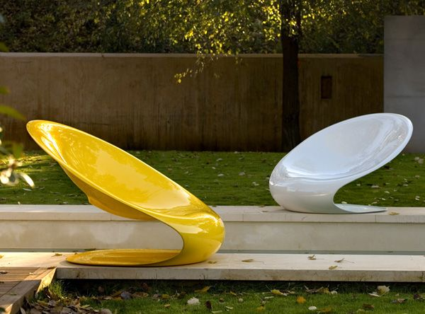 Beautiful Sleek Modern Outdoor Chair Disk by Karim Rashid I so need these for my garden