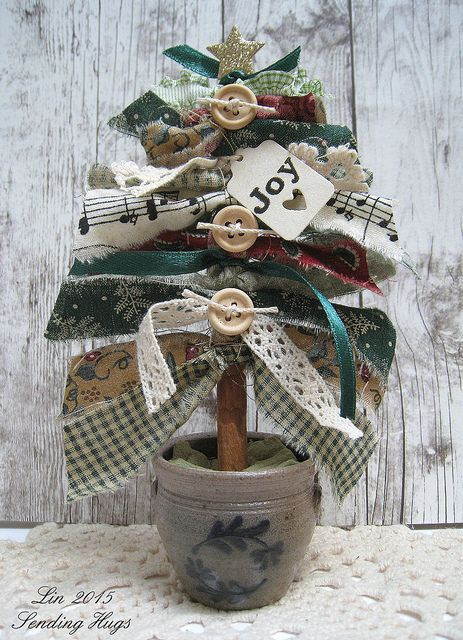 Sending Hugs: A Fabric Strip Christmas Tree