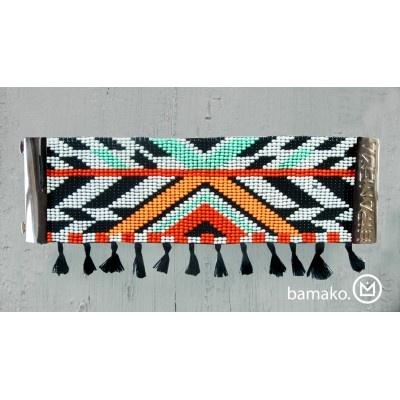 Bracelet HIPANEMA Bamako Bracelet bandeau aux milles couleurs très tendance et entièrement fait main. Crée en France, fabriqué en Asie, né au Brésil Bracelet à assortir avec chacun de vos maillots de bain brésiliens ! http://www.viva-playa.fr/bracelet-hipanema-bamako-p-1004.html