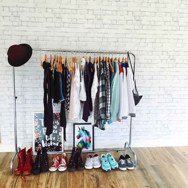 Ideia de decoração com cabideiro no quarto como gaurda roupa de Bruna Vieira na Casa Depois dos Quinze.