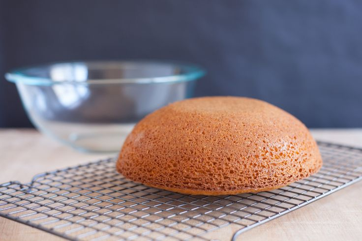 At first it may seem easy to make that igloo cake or a cake shaped like a half-moon: the only difference between baking a dome shaped cake and baking the traditional two layer confection is pouring the cake batter into the roundest oven-safe mixing bowl you possess. But that doesn't take into account the fact …