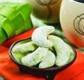 Rasanya yang memiliki rasa pandan dan tampilannya yang berwarna hijau membuat Kue Kering ini tampil beda. Berikut ini Resep Kue Kering Putri Salju Rasa Aroma Pandan Enak